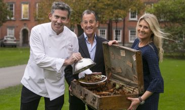 Serving Up Autumn Escapes – Noel McMeel, Executive Head Chef at Lough Erne Resort, County Fermanagh and celebrity psychologist Geoffrey Beattie, were in Dublin today encouraging people to come out of hibernation this autumn and explore new places and experiences with a luxury Northern Ireland autumn escape. Tourism Northern Ireland Market Manager (RoI) Fiona Cunningham is pictured alongside Noel and Geoffrey in Dublin. To plan your short break visit www.discovernorthernireland.com
